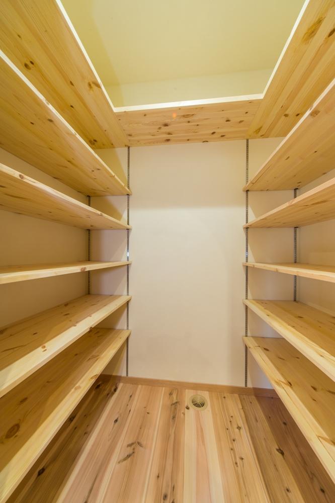 大容量の可動棚収納
