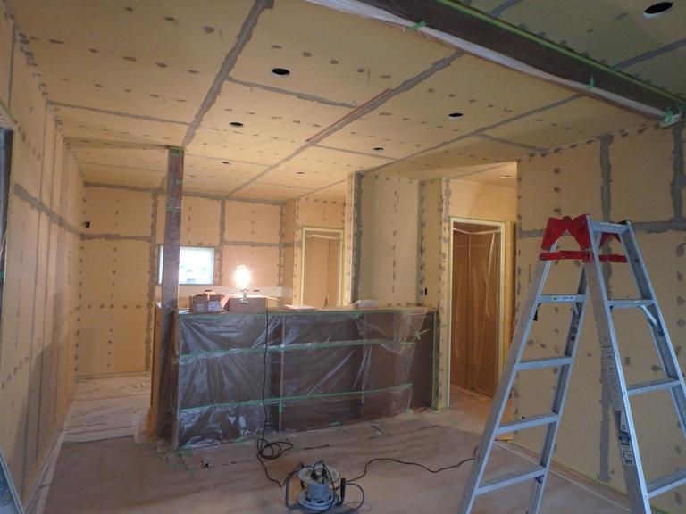 漆喰をぬる前の壁の状態