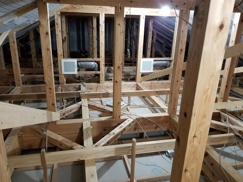屋根裏エアコンならベストホーム