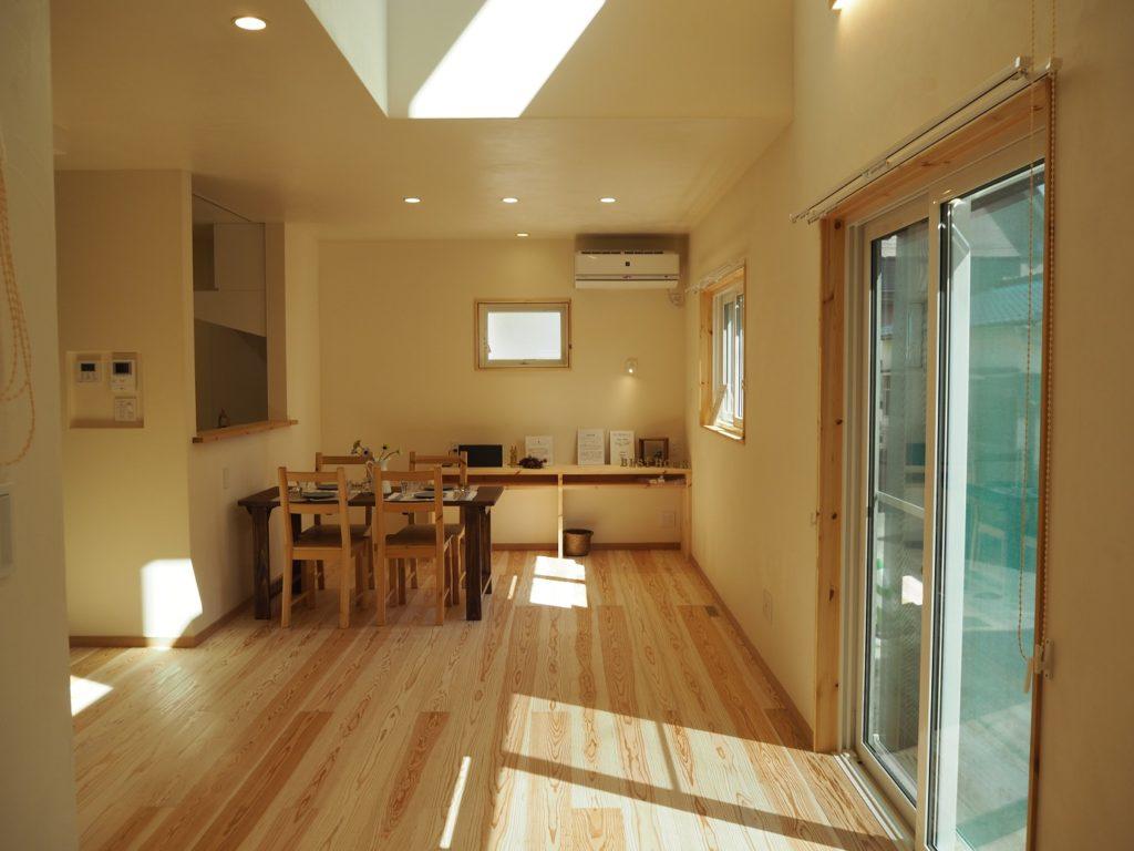 杉の節無しの床材は注文住宅のベストホーム